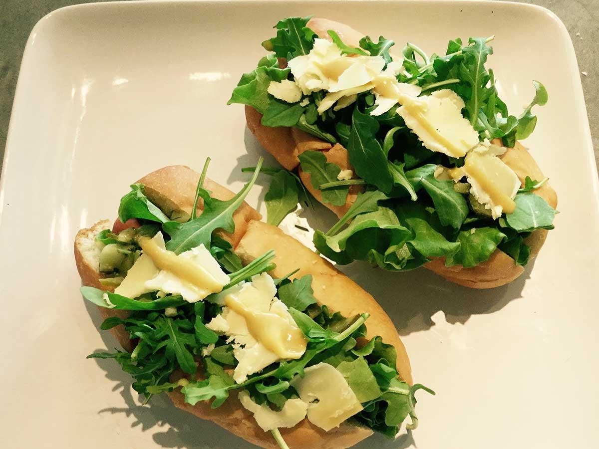 honey-mustard-arugula-hotdog-1